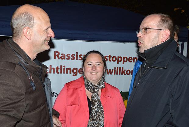 MdL Stefan Zimkeit, die stellvertretende Partei- und Fraktionsvorsitzende Sonja Bongers mit NRW-Arbeitsminister Rainer Schmeltzer auf der Kundgebung des Antifaschistischen Bündnisses