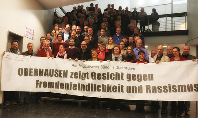 """131 SPD-Mitglieder zeigten """"Gesicht gegen Rechts"""" auf dem UB-Parteitag"""