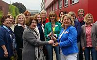 """Zum zweiten Mal verlieh die Oberhausener ASF die """"Luise"""". Ausgezeichnet wurden in diesem Jahr Ingeborg Jochems und der Zonta-Club."""