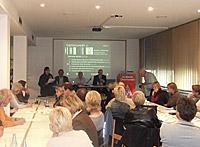Norbert Müller, stellvertretender Landesvorsitzender der GEW NRW, und Wolfgang Große Brömer (MdL), Vorsitzender der Oberhausener SPD, diskutierten über die Verbesserung des NRW-Schulsystems