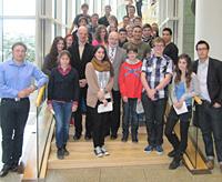 Mitglieder des Jugendparlaments der Stadt Oberhausen mit den Landtagsabgeordneten Stefan Zimkeit und Wolfgang Große Brömer