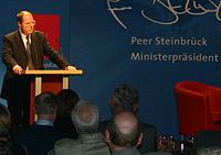 Ministerpräsident Peer Steinbrück hielt die Laudatio zum 140. Geburtstag der Oberhausener SPD