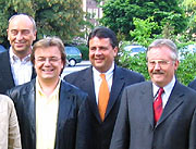 Von links: Oberbürgermeister Burkhard Drescher, Europa-Kandidat Jens Geier, Sigmar Gabriel, OB-Kandidat Klaus Wehling
