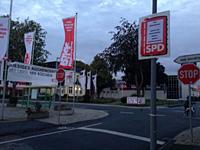 Plakataktion der Oberhausener SPD an der Möbelstadt Rück