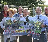 Lassen nicht locker in Sachen Brücke, v. r.: Wolfgang Große Brömer (SPD-Fraktionschef), Klaus Wehling (Oberbürgermeister), Walburga Grunauer (Stadtverordnete)