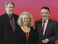Gemeinsam unterwegs nach Augsburg: Bundestagskandidat Dirk Vöpel, Delegierte Elia Albrecht-Mainz und Unterbezirksvorsitzender Michael Groschek (v.l.n.r.).