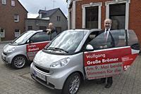Wolfgang Große Brömer und Stefan Zimkeit präsentieren ihre Wahlkampf-Smarts