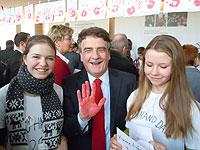 Rote Hand gegen den Einsatz von Kindersoldaten: MdB Michael Groschek ist mit dabei
