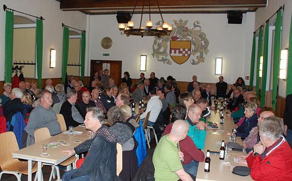 """""""Volle Hütte"""" bei der Bürgerversammlung am 7. April 2016 im Kastell Holten"""