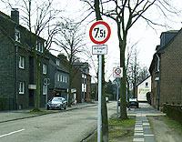 Seit kurzem für den Schwerlastverkehr gesperrt: Die Hagelkreuzstraße in Buschhausen