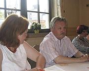 Oberbürgermeister Klaus Wehling im Gespräch mit den SPD-Frauen